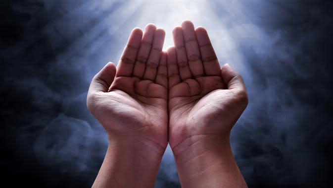 Ilustrasi berdoa (sumber: iStock)