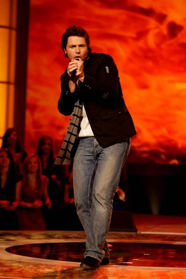 Michael Johns performs as one of the top 24 contestants on the 7th season of American Idol.
