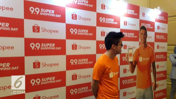 Shopee menggandeng Cristian Ronaldo untuk mengampanyekan 9.9 Super Shopping Day (Liputan6.com/Komarudin)