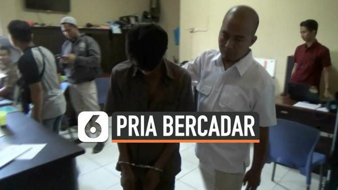 VIDEO: Masalah Asmara, Pria Bercadar Bacok Warga Probolinggo