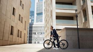 健康奢侈品新選擇─Porsche 推出「Sport」和「Cross」電動腳踏車