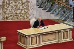 Pelantikan Lukashenko secara diam-diam memicu bentrokan baru di Belarusia