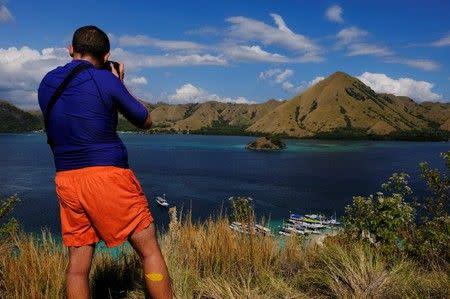 Indonesia batalkan rencana untuk penutupan pulau Komodo