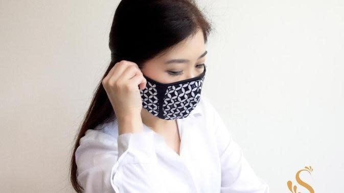 Desainer Ferry Sunarto hadirkan koleksi masker untuk menjalani new normal. (Foto: Dok. Ferry Sunarto)