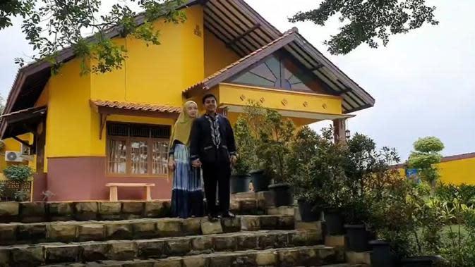 Potret Rumah Ustaz Riza dan Indri Giana. (Sumber: Instagram/@_indrigiana_)
