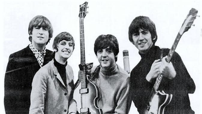 The Beatles, 1965. (Sumber Wikimedia via CommonsHelper)