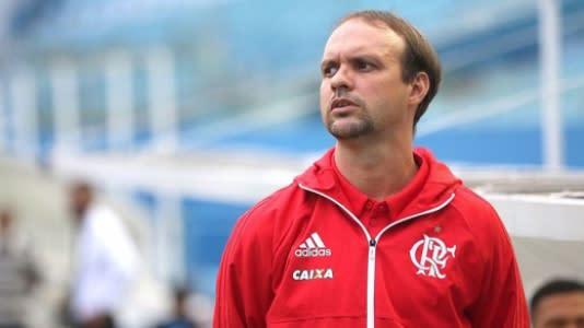 毛里西奥·苏扎(MaurícioSouza)在Carioca U-20上庆祝弗拉的头衔,并预测巴西的艰难结局: