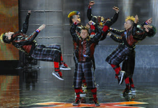 Forgotten Lyrics, Failed Stunts: Only Steady Footing Shines in a Weird Week of 'America's Got Talent'