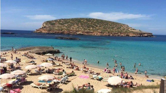 Duh, Enam Pantai di Pulau Ini Terkontaminasi Tinja Manusia