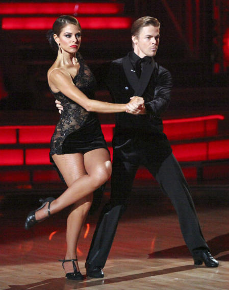 Maria Menounos and Derek Hough (5/14/12)