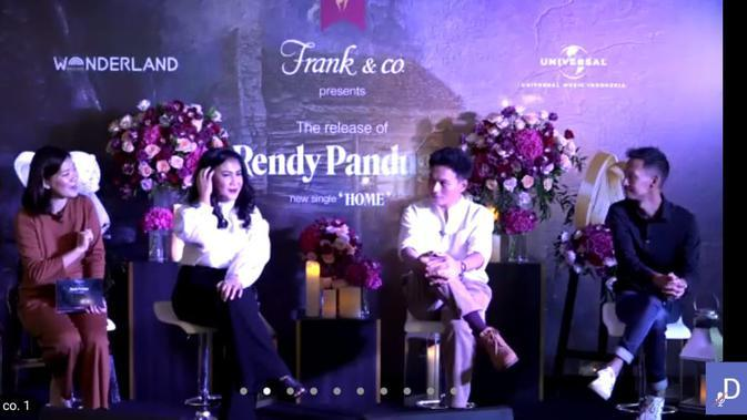 Peluncuran kampanye terbaru In The Name of Love bersama Rendy Pandugo. (Liputan6.com/Dinny Mutiah)