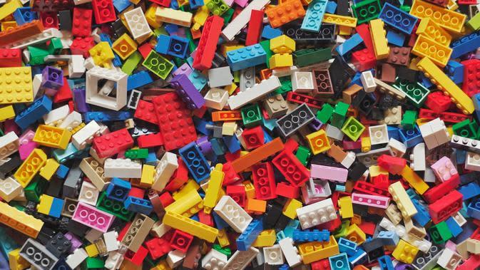Lego/unsplash Xavi