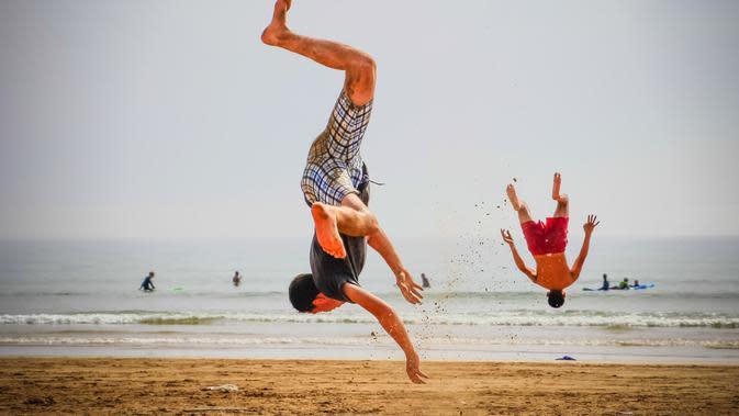 Capoeira (Photo by Peggy Anke on Unsplash)