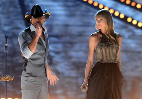 What Pair Of (In)Famous Exes Played The ACM Awards…Two Miles Apart?