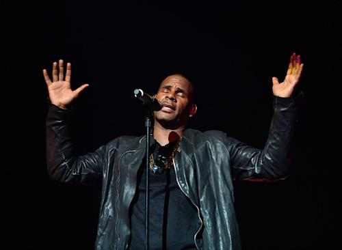 R. Kelly Working on a 'Love-Making' Christmas Album