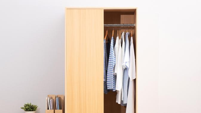 Ilustrasi lemari pakaian. (dok.Dekoruma/Dinny Mutiah)