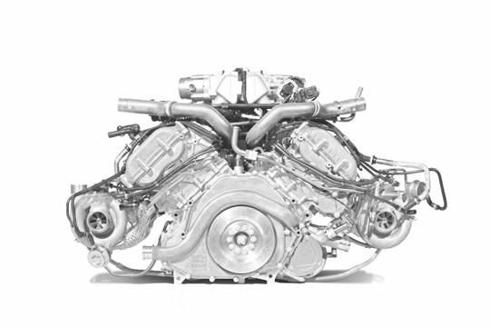 決勝主戰場 4.0升V8渦輪引擎持續駁火