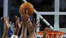 NBA勇士後衛湯普森右腳受傷