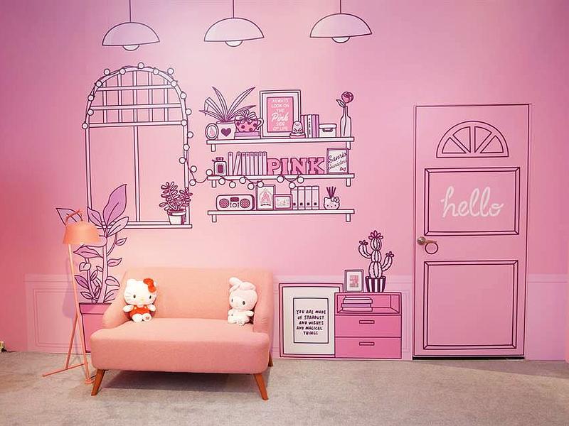 實景打造Hello Kitty的粉紅客廳