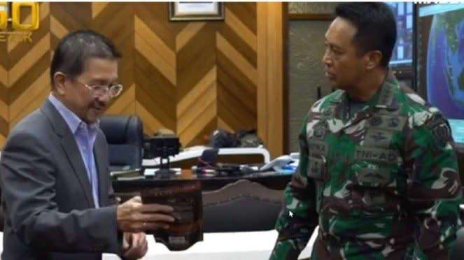 VIVA Militer : Dirut PT. Freeport Indonesia bertemu KSAD Jenderal Andika Perkasa