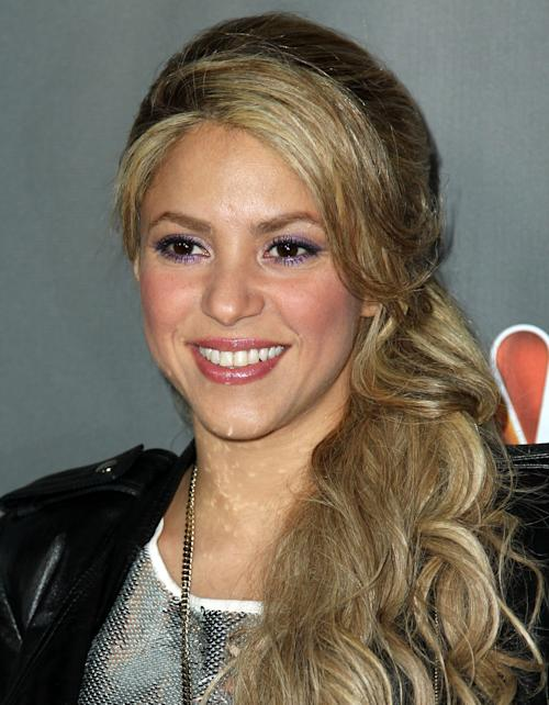 """Shakira arrives at """"The Voice"""" season 4 red carpet event at the House of Blues on Wednesday, May 8, 2013 in Los Angeles. (Photo by Matt Sayles/Invision/AP)"""
