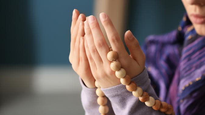 Baca Doa Ini Saat Mengalami Perasaan Tak Enak