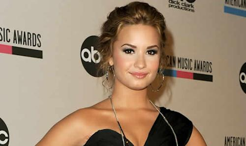 Demi Lovato Comments on the Death of Her Father