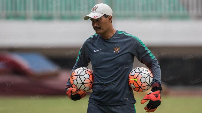 Pelatih kiper timnas Indonesia, Gatot Prasetyo, saat di Stadion Pakansari, Bogor, Jawa Barat, Rabu (10/8/2016). (Dok Bola.com)