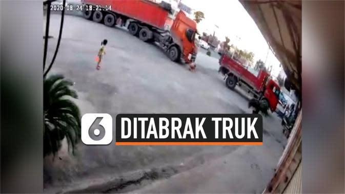 VIDEO: Detik-Detik Bocah 6 Tahun Selamat Usai Ditabrak Truk