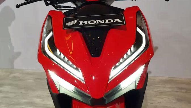 Desain lampu depan Honda Vario 125 dan Vario 150 dibuat bertingkat. (Herdi/Liputan6.com)