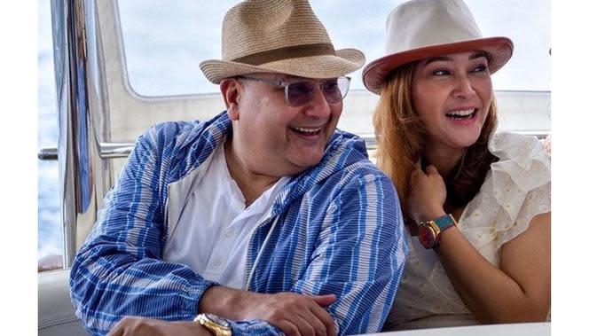 Honeymoon Lagi, Ini 6 Momen Mesra Maia Estianty dan Irwan Mussry di Maladewa (sumber: Instagram.com/maiaestiantyreal)