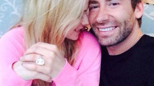 Chad Kroeger Buys Avril Lavigne The Biggest Diamond Ring In The History Of Ever