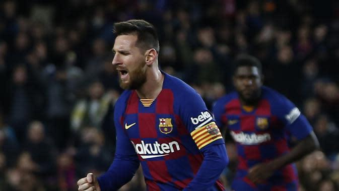 Lionel Messi mencetak hattrick untuk membawa Barcelona menang 4-1 atas Celta Vigo dalam lanjutan Liga Spanyol di Camp Nou, Minggu (10/11/2019) dini hari WIB. (AP Photo/Joan Monfort)