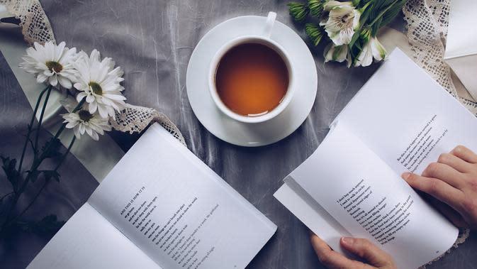 Ilustrasi membaca (dok. Pixabay.com/ThoughtCatalog/Putu Elmira)