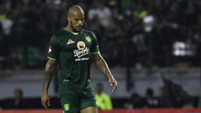 David da Silva - Awal bergabung dengan Persebaya Surabaya pada tahun 2018 dan membukukan 20 gol dari 23 laganya bersama skuat Bajul Ijo. Striker asal Brasil ini sempat hengkang ke Korea Selatan pada tengah musim 2019. (Bola.com/Yoppy Renato)