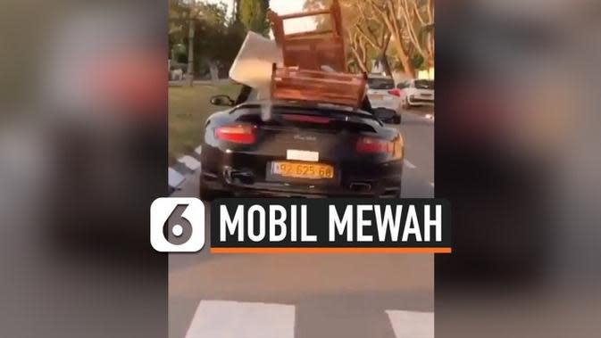 VIDEO: Heboh Mobil Mewah Angkut Perabotan Rumah