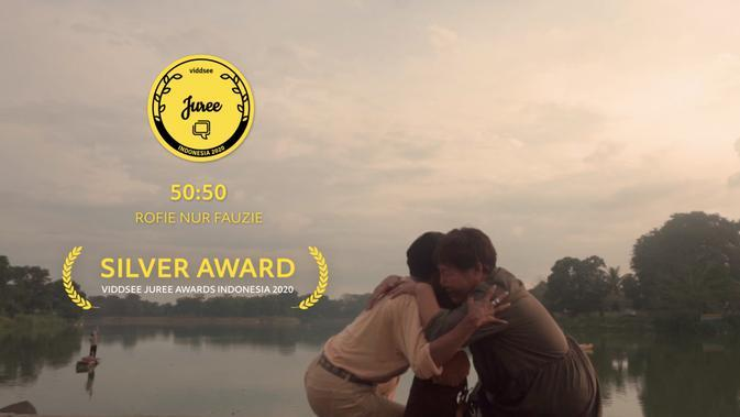 Film 50:50 karya Rofie Fauzie membawa pulang Silver Award dalam Viddsee Juree Awards Indonesia 2020. (Sumber: Dok. Viddsee)