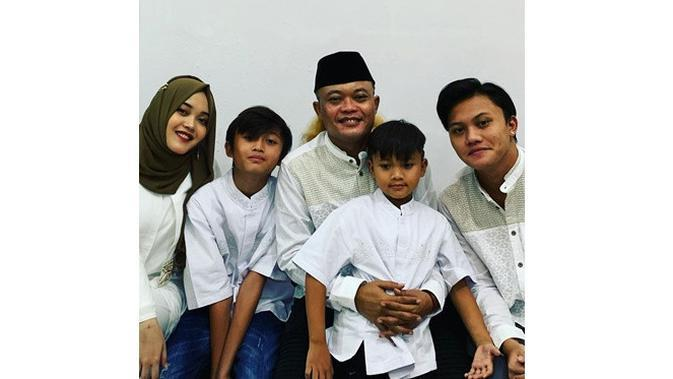 6 Momen Kebersamaan Sule Bareng Anak Bungsunya, Belikan Mainan Seharga Rp 23,7 Juta (sumber: Instagram.com/ferdinan_sule)