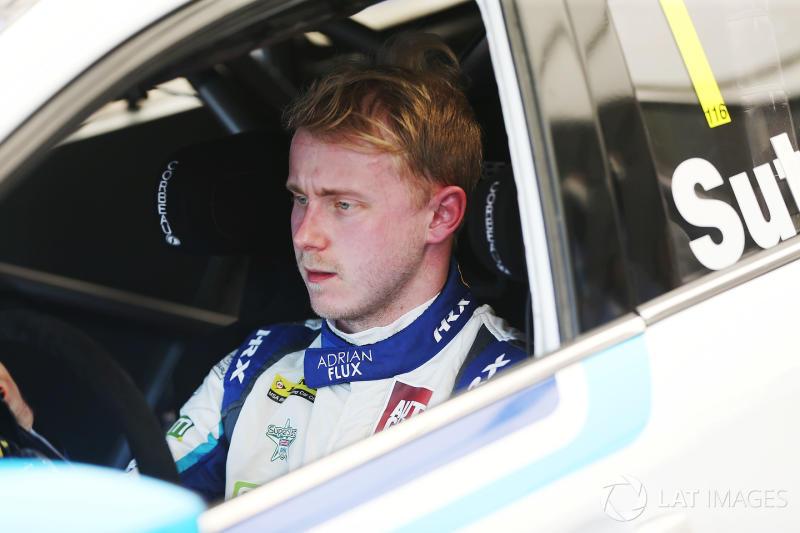 Rockingham BTCC: Sutton claims easy Race 2 win