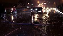 天雨路滑行車失控 打滑衝向對向車道
