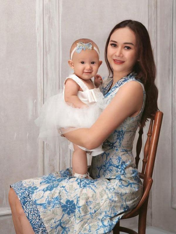 Sejak menikah dengan Eryck Amaral dan memiliki anak, Aura mengaku terjadi beberapa perubahan dalam dirinya. Bahkan, dirinya sendiri pun kaget melihat kehidupannya sekarang ini. (Instagram/aurakasih)