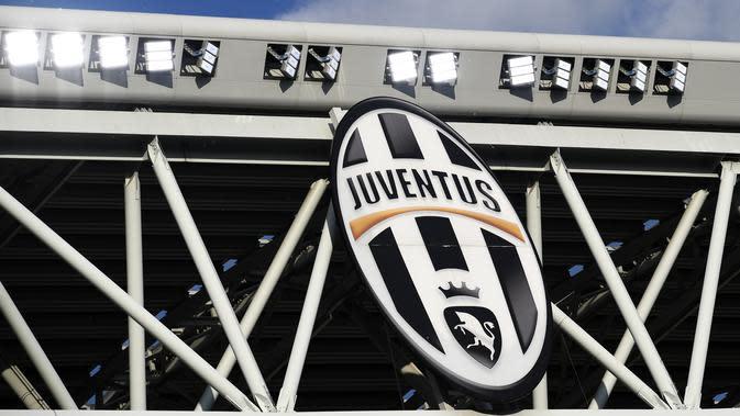 Logo lama Juventus telah dihilangkan di stadion Allianz, Turin. (AFP / MIGUEL MEDINA)