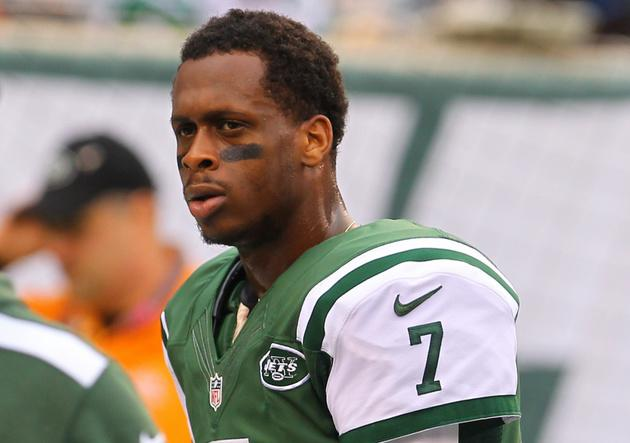 Jets quarterback Geno Smith reportedly kicked off plane for refusing to get off his cellphone