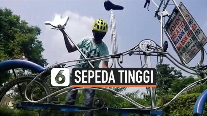 VIDEO: Pria di India Bikin Sepeda Tertinggi di Dunia