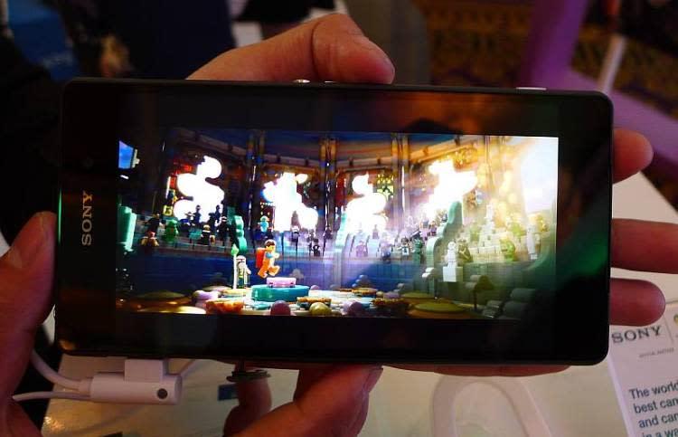 Z2 layar 750x483 Hands on: Sony Xperia Z2 smartphone news mobile gadget