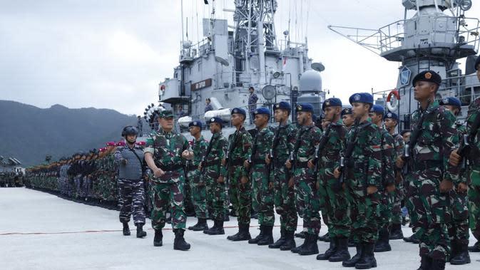 Gagah dan sangarnya pasukan TNI gelar apel siap amankan Laut Natuna dari kapal China. (Twitter @Puspen_TNI)