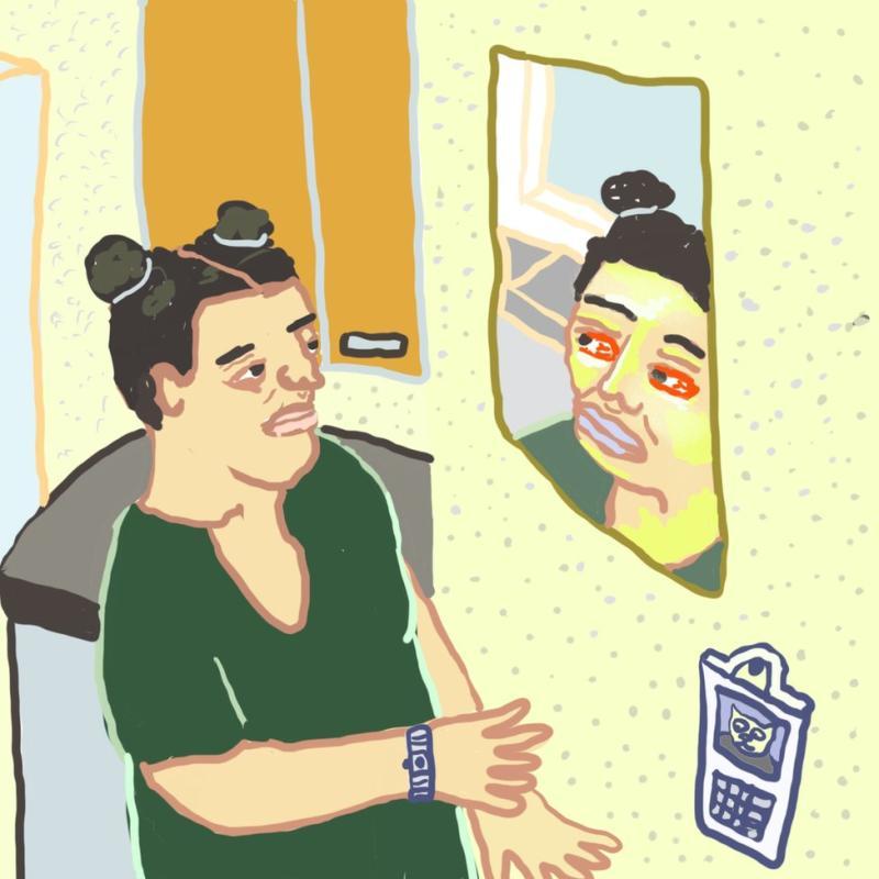 Monique melihat wajahnya di cermin