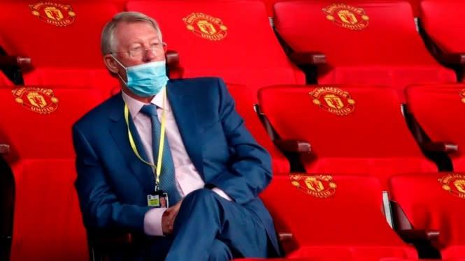 Cara Pakai Masker Alex Ferguson Jadi Sorotan di Laga MU Vs Southampton