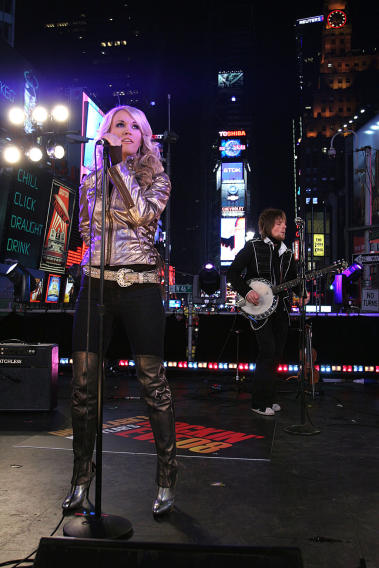 NYRE 2008 Carrie Underwood