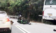 【車Cam直擊】新娘潭路電單車相撞旅巴 鐵騎士受傷